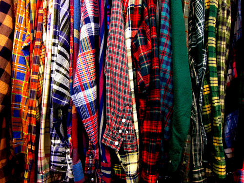 http://theclothesmademedoit.com/tag/flannel-shirt/
